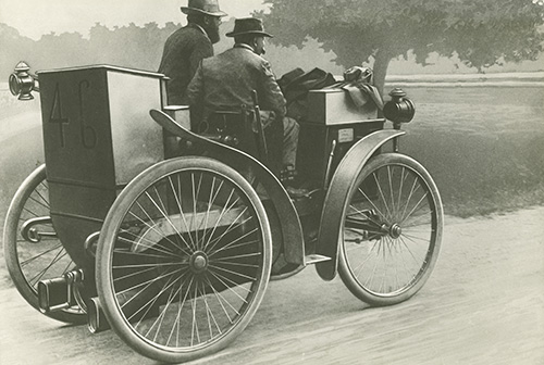 Michelin at Paris-Bordeaux-Paris 1895.jpg